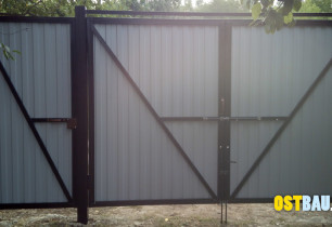 framed-metal-solid-gates-09