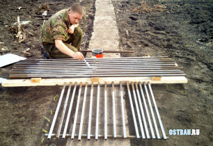 metal-raised-beds-process-003