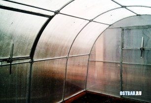 greenhouses-mounting-013